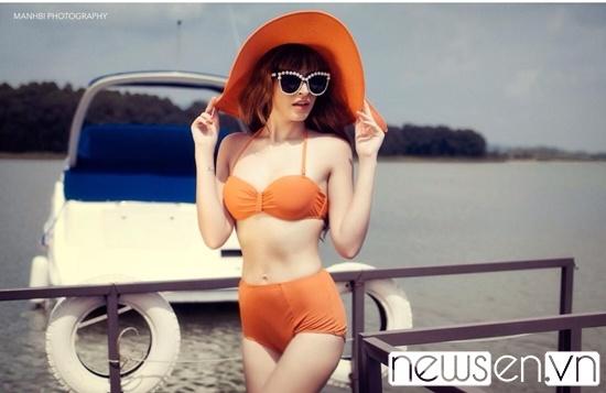 Andrea-tung-bo-anh-dien-bikini-khoe-dang-ngoc-nga-sau-xuat-vien-sieu-nong-bong8.jpg