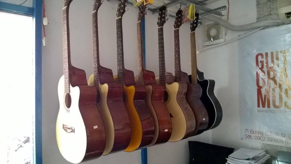 Bán guitar giá rẻ ở tphcm.jpg