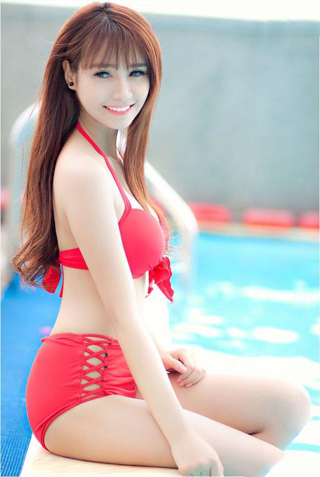 Jenny-Yen-mac-bikini-khoe-ve-đep-goi-cam-hut-hon (3).jpg