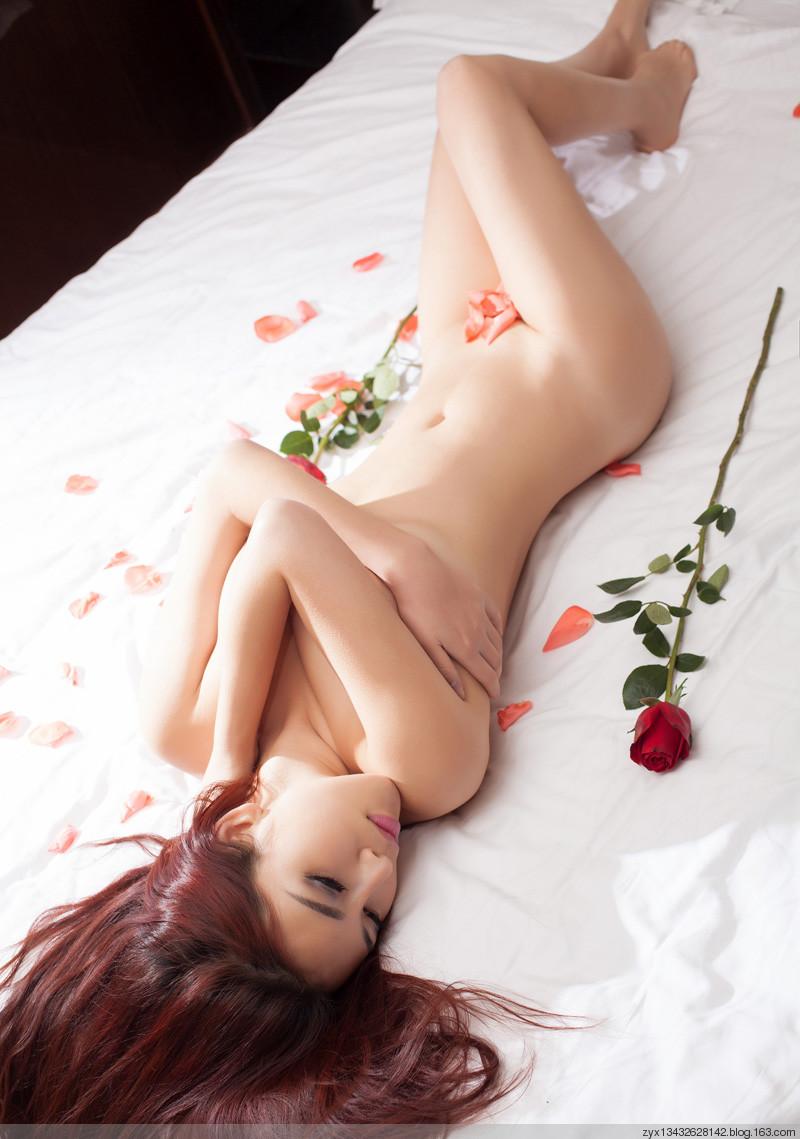 loat-anh-nude-cua-hot-girl-cuc-xinh-h9.jpg