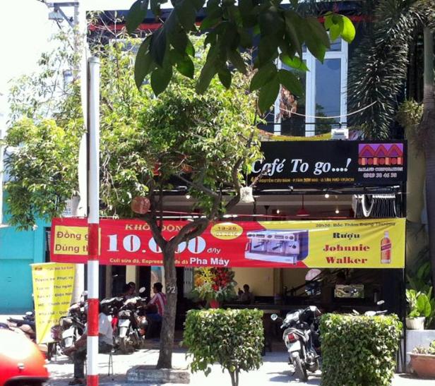 Quán cafe hát cùng bè bạn tại số 44 Nguyễn Cửu Đàm