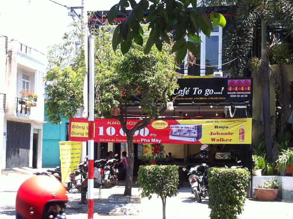 Quán cafe Nguyễn Cửu Đàm